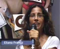Eliana Franco falando ao microfone.
