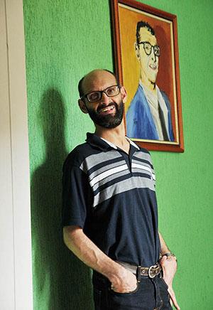 Professor Emílio Figueira.