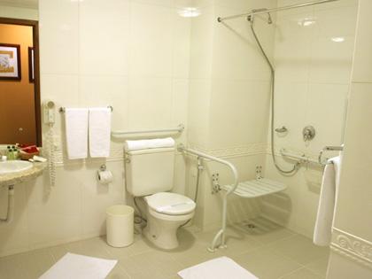 Banheiro adaptado.