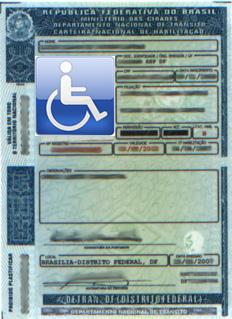 Imagem de uma CNH com o símbolo internacional das pessoas com deficiência no lugar da foto.
