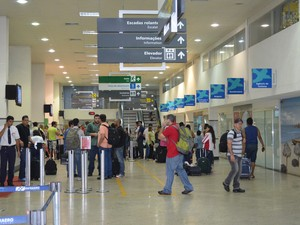 Foto: Saguão de aeroporto.